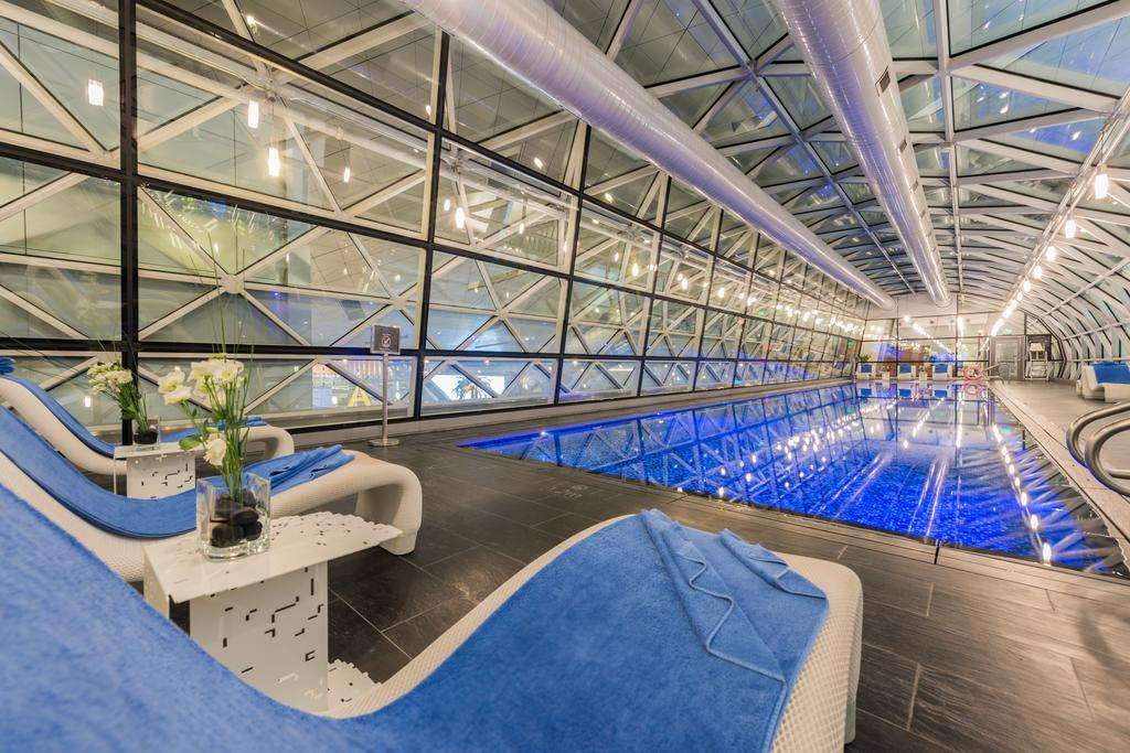 صور فندق المطار في قطر The Airport Hotel