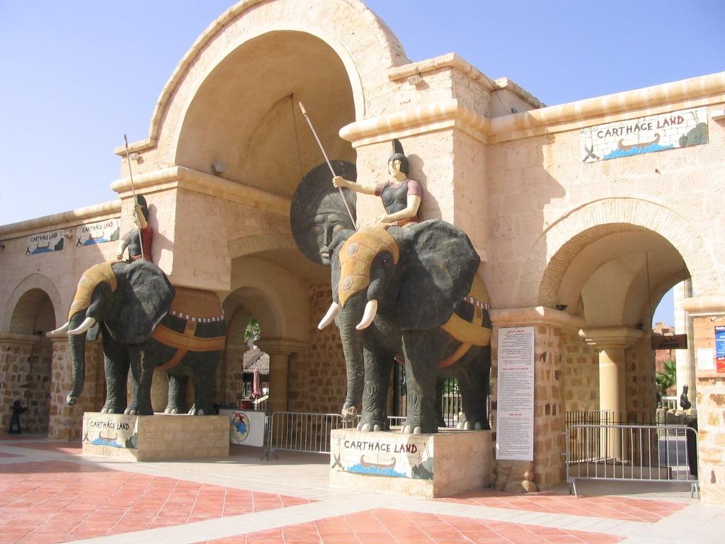 جولة في البلاد الجميلة تونس 27335alsh3er.jpg
