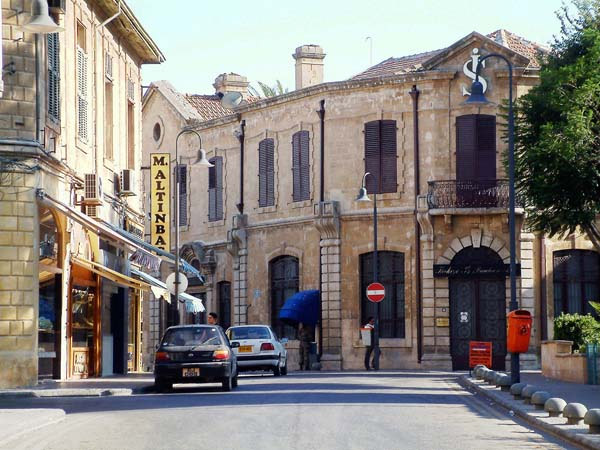 جمهورية شمال قبرص التركية .. بلد الماء والخضرة والوجه الحسن جمهورية شمال قبرص التركية ..