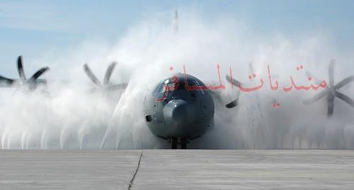 وشلون يغسلون الطيارات ...