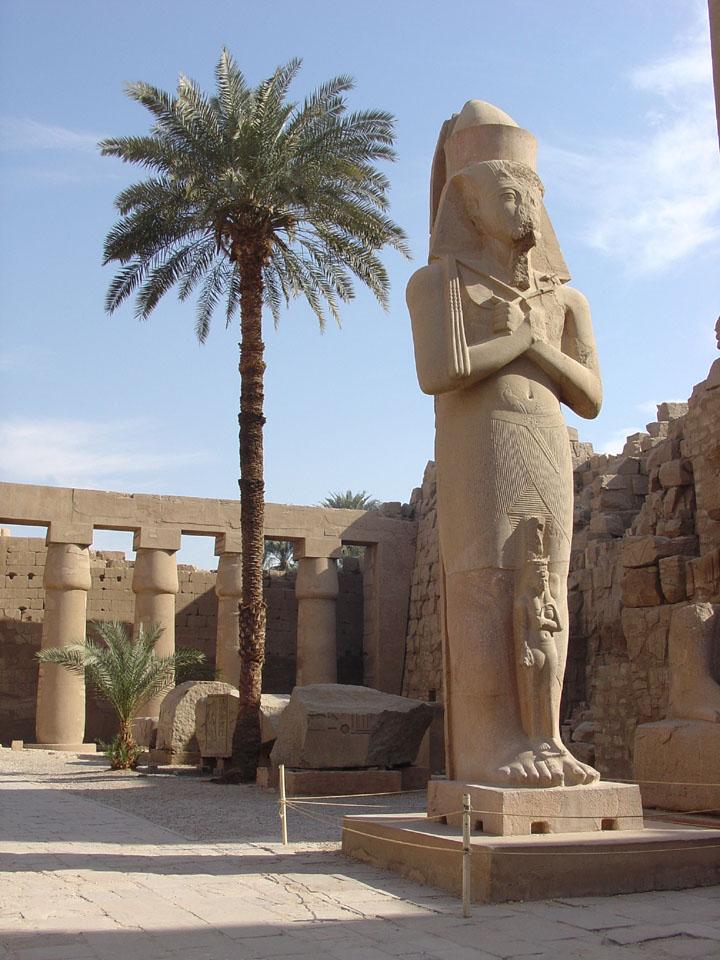 صوره معبد الاقصر بدوله مصر 59458_11289336908