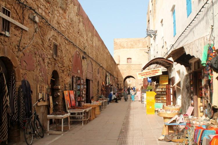 -city-wall-shops-essaouira-e1441028139120-jpg