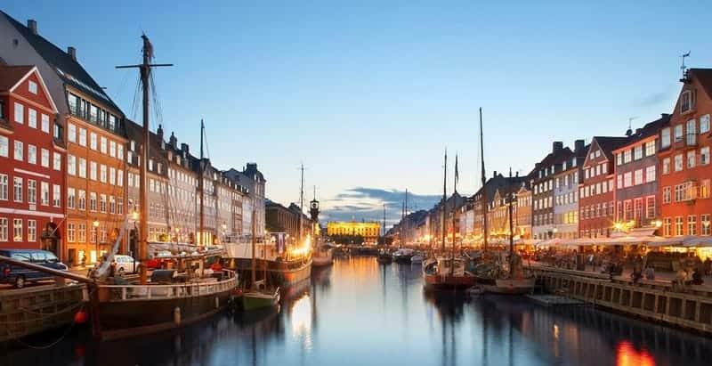 محلات عربية في كوبنهاجن