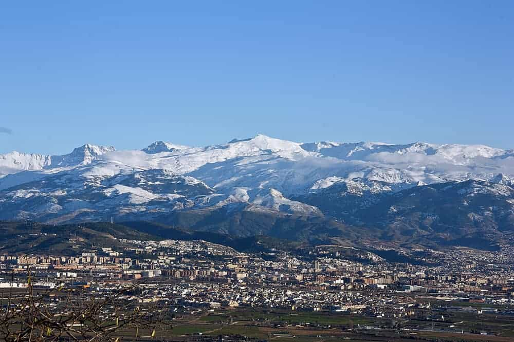 جبال سيرا نيفادا ( أفضل الفنادق في الطريق لنيفادا)
