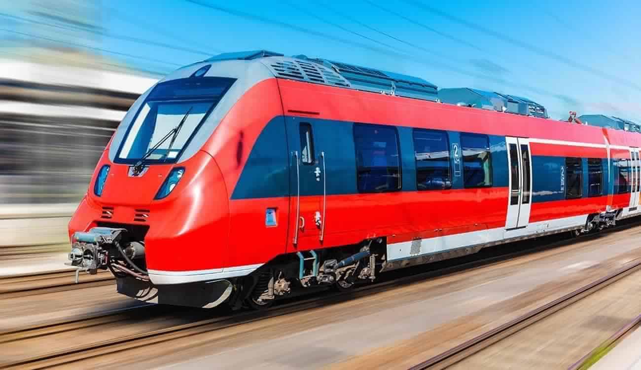 """قطار مطار كازا الى مراكش ( في اتجاه مدينة """"سبعة رجال"""")"""