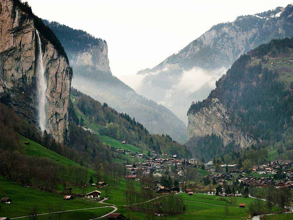 كيف السفر من سويسرا الى ألمانيا بالسيارة