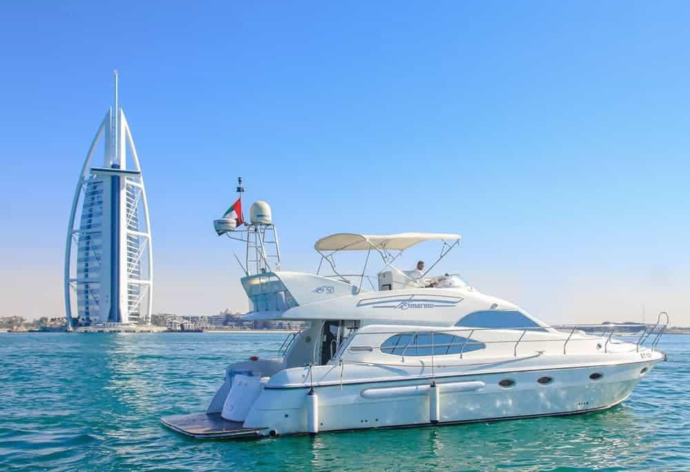 طريقة حجز يخت في دبي