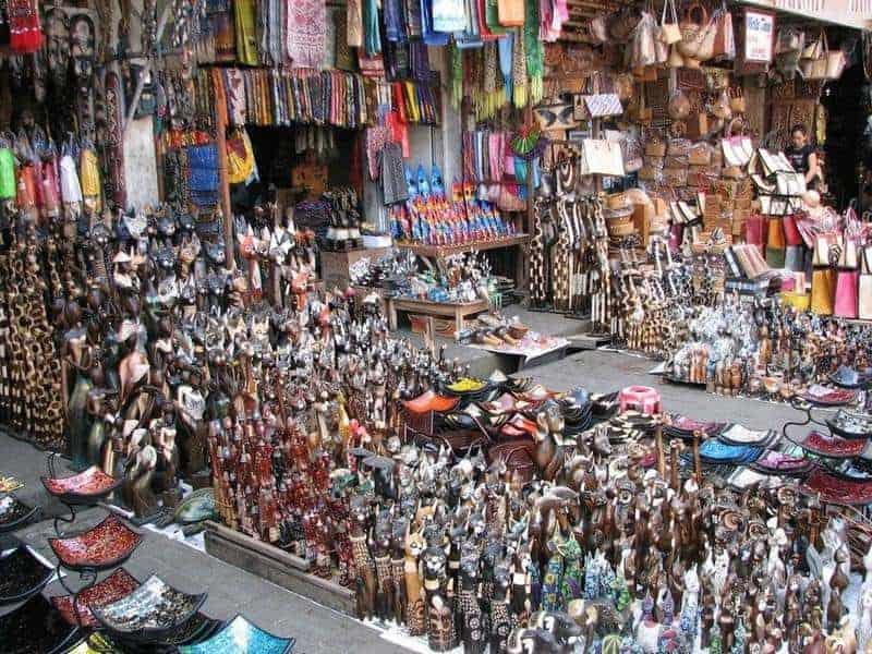 سوق أوبود الشعبي في ابود