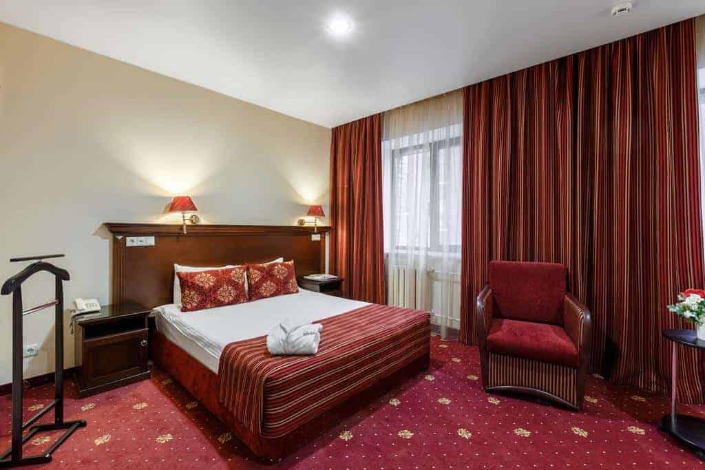 20.فندق Club Corona-min
