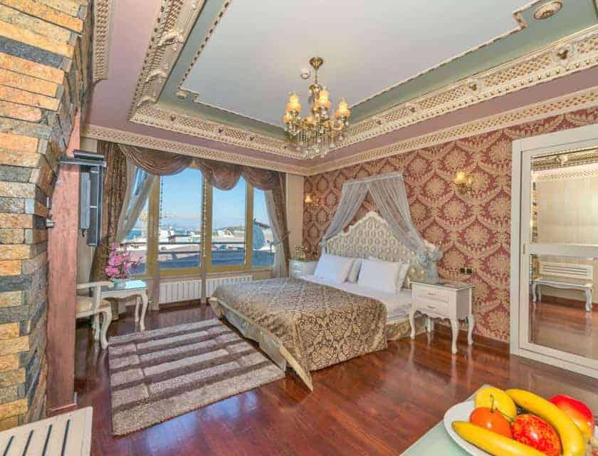 الغرف في فندق القرن الذهبي