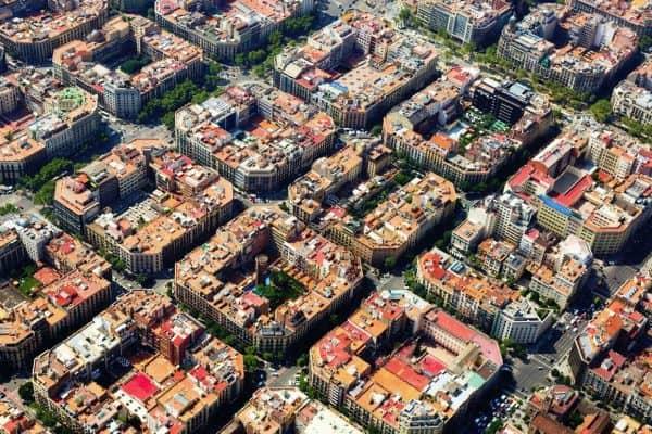 في اسبانيا وهي العاصمة الرئيسية لهذه البلاد يزورها العديد من