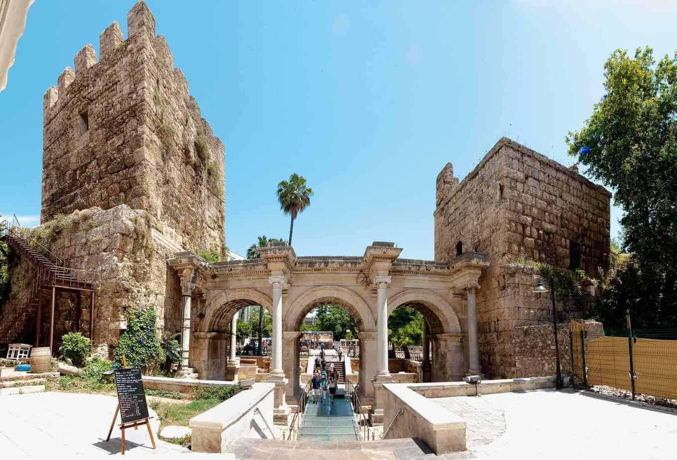 برنامج سياحي في انطاليا تركيا مرتب وسهل