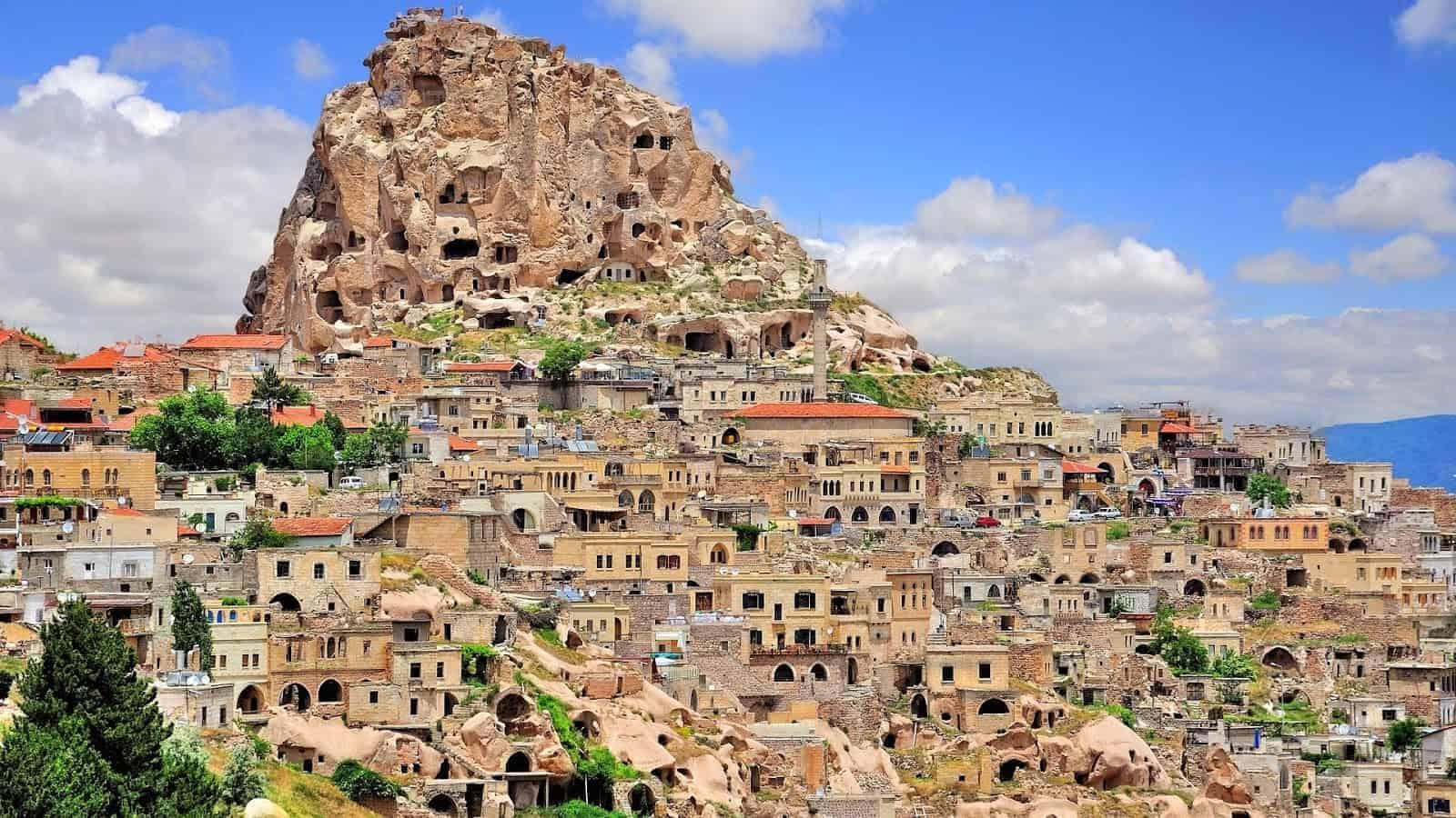 تقرير  مدينة نيوشهير كابادوكيا في تركيا من المسافرون العرب
