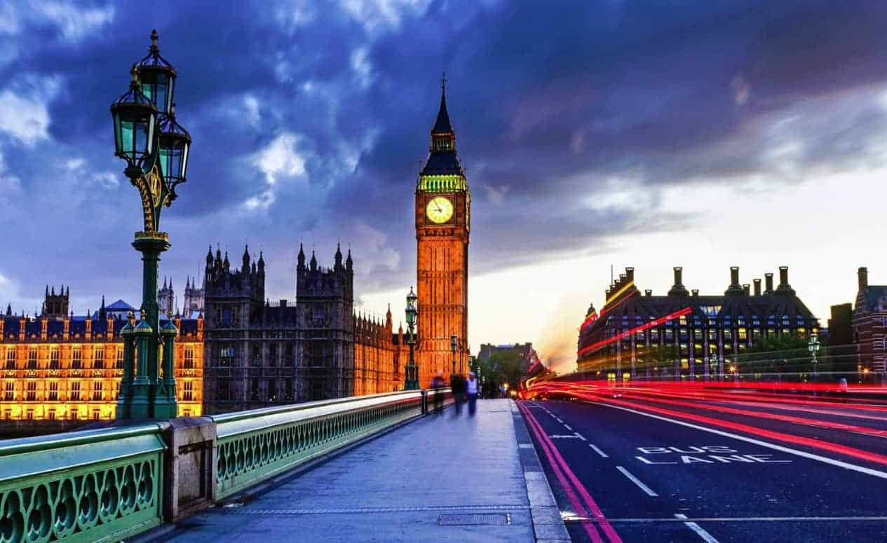 رحلة اقتصادية إلى لندن لشخصين