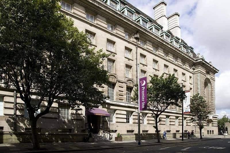 فندق بريميير إن لندن كاونتي هول