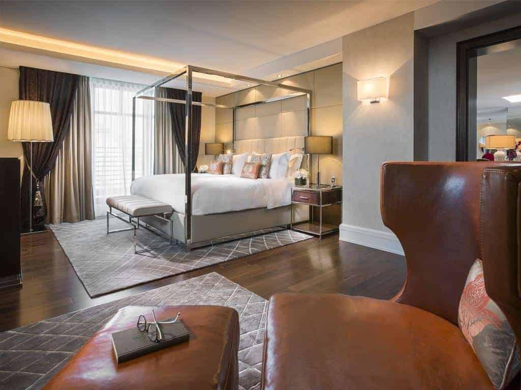 1.فندق برايدنباشر هوف، فندق كابيلا-min