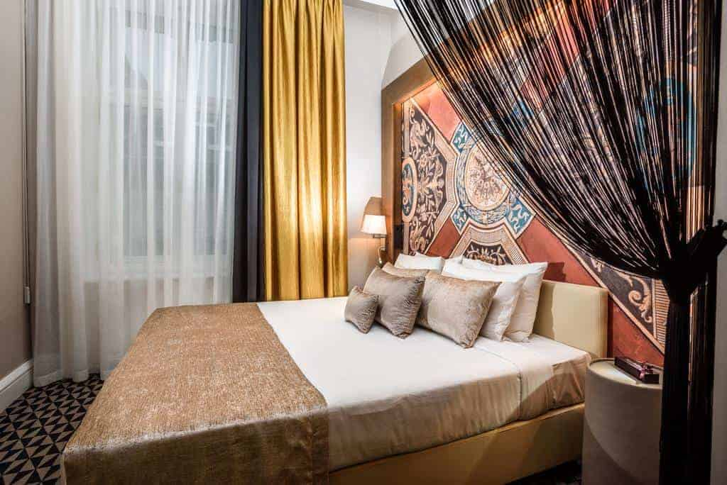 1.فندق مومنتس بودابست-min