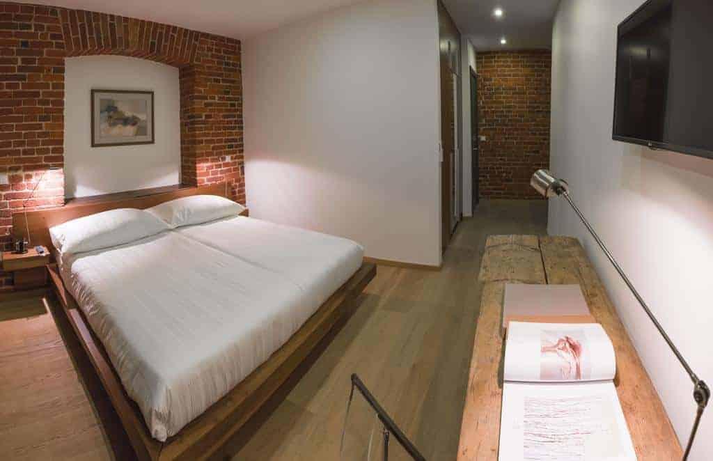 1.Brick Design Hotel-min