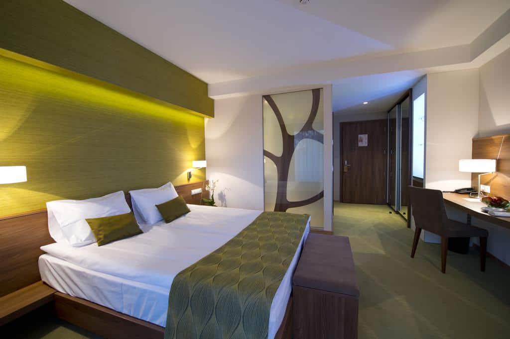 1.Imola Hotel Platán-min
