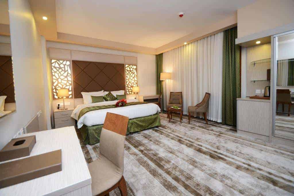 2.فندق البسفور-min