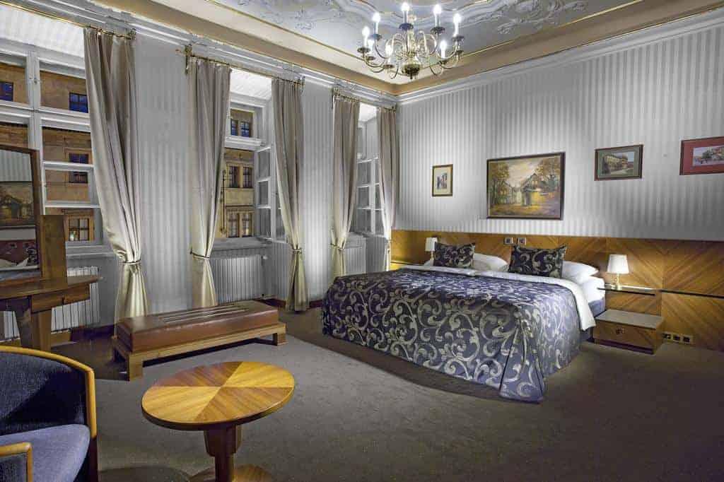 2.فندق بود فيزي-min