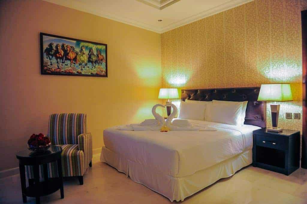 2.فندق سويت إن الرياض-min