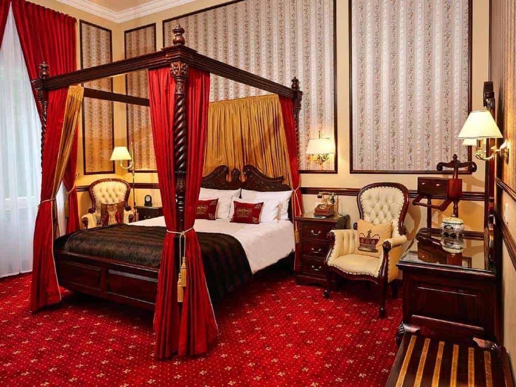 2.فندق - فيلا آخينباخ-min