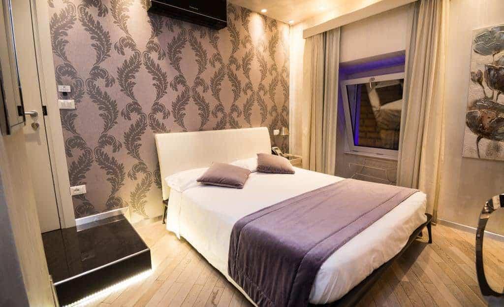 21.فندق كارافيتا-min