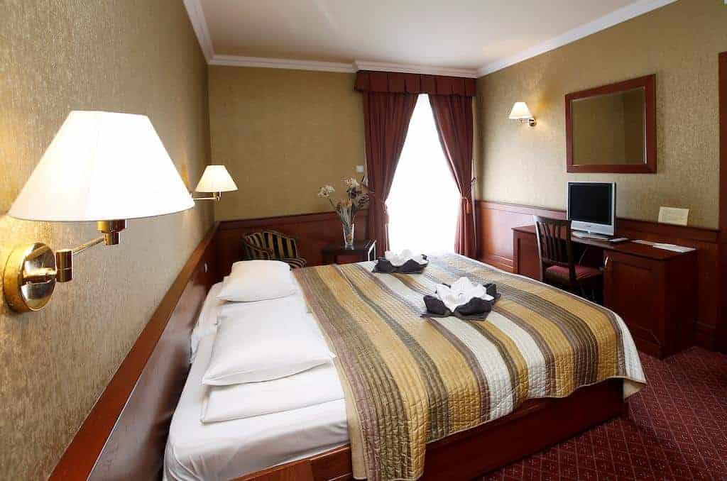 5.Hotel Ködmön-min