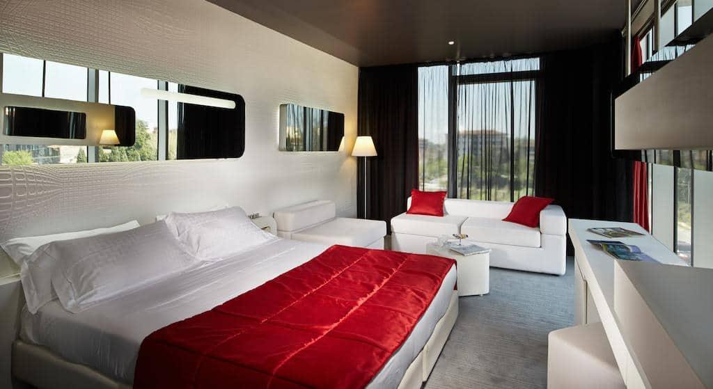 6.San Ranieri Hotel-min