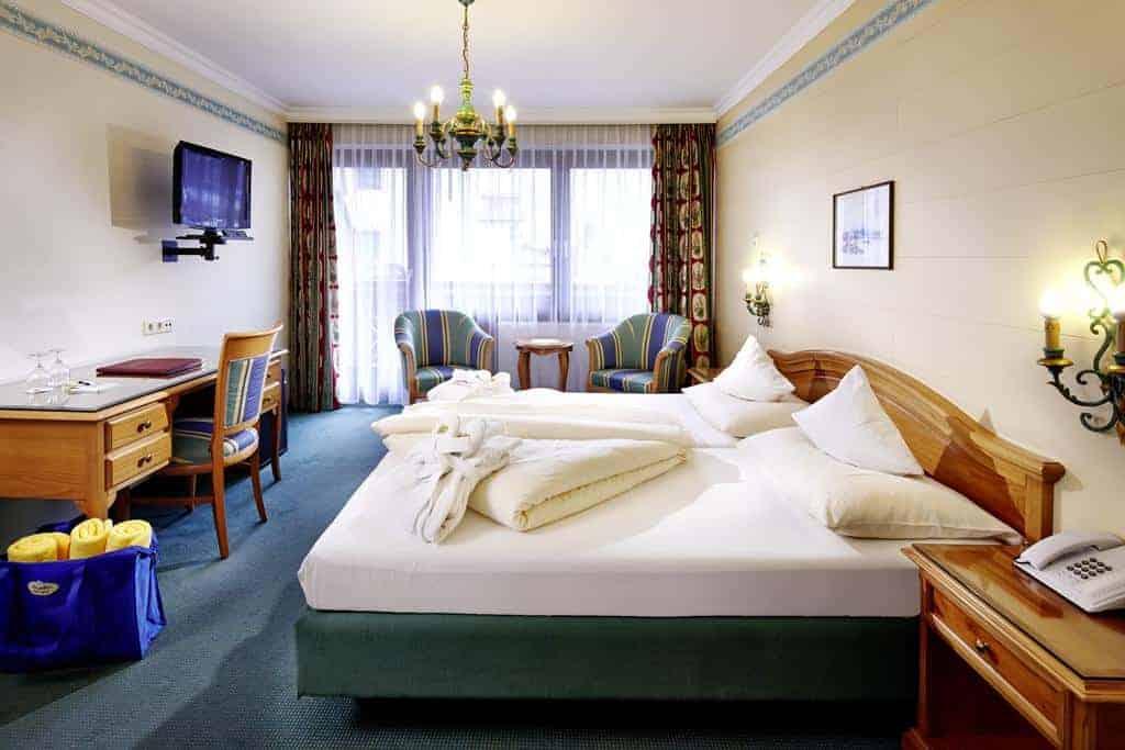 7.فندق تاورنهوف-min