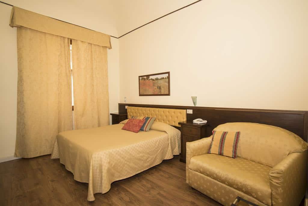 8.Hotel Minerva-min