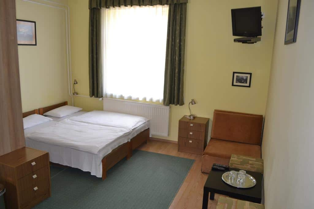 8.Lokomotiv Motel-min