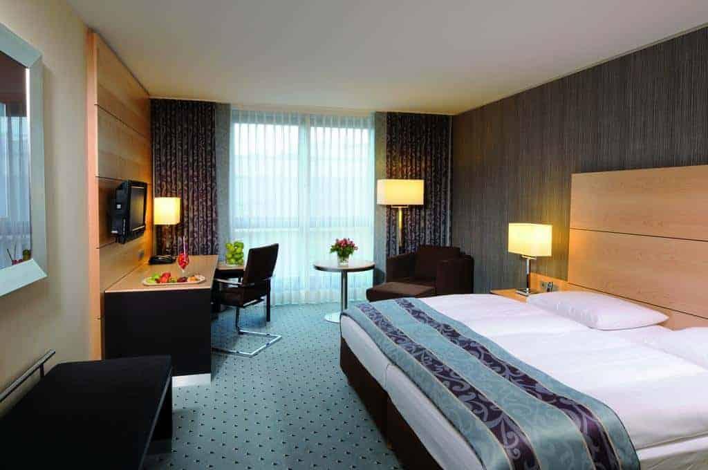 9.فندق ماريتيم دوسلدورف-min