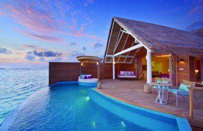 تقرير مصور عن رحلتي الاقتصاديه في جزر المالديف