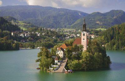 احداثيات الأماكن السياحية في جوهرة سلوفينيا بليد