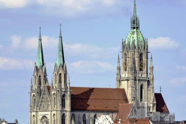الكنائس القوطية