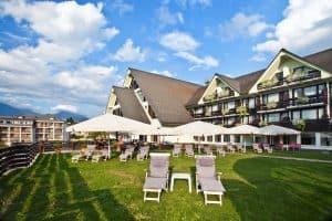 فندق كومباس