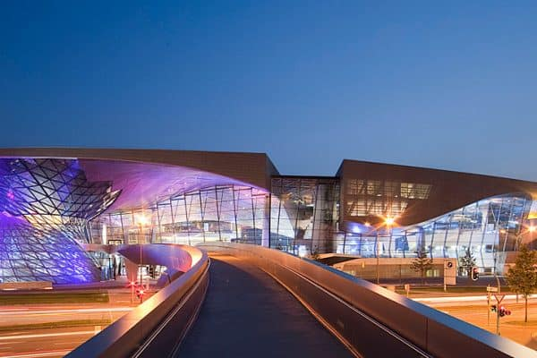متحف عالم بي ام دبليو BMW