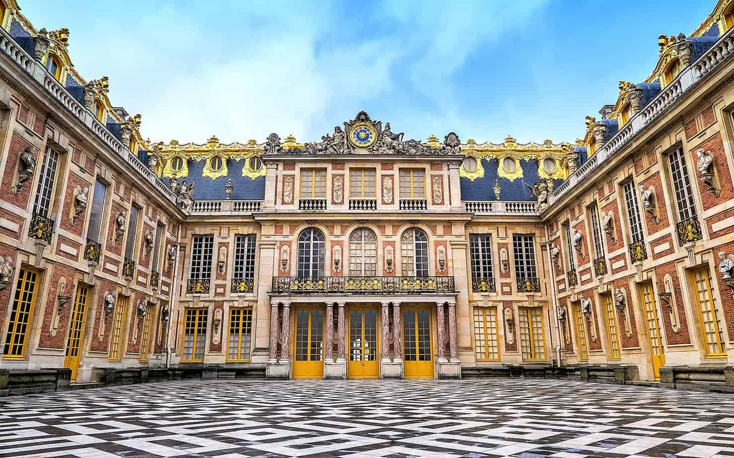 معلومات عن قصر فرساي أشهر القصور الأوروبية