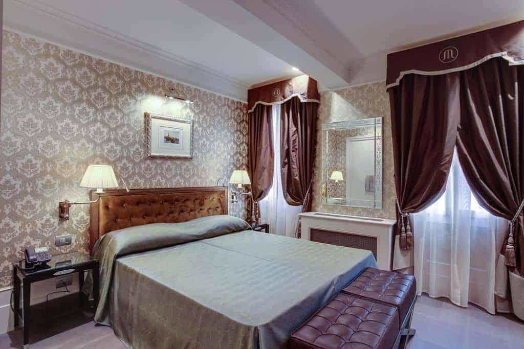 1.فندق موريسكو-min