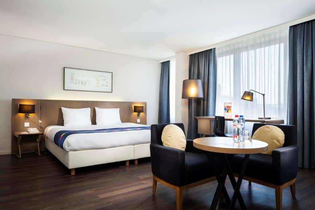 11.Hotel Park Inn by Radisson Antwerpen-min