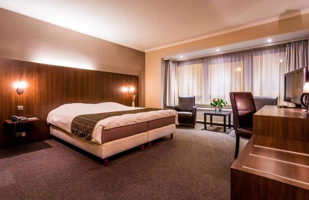 2.Hotel Carlton-min