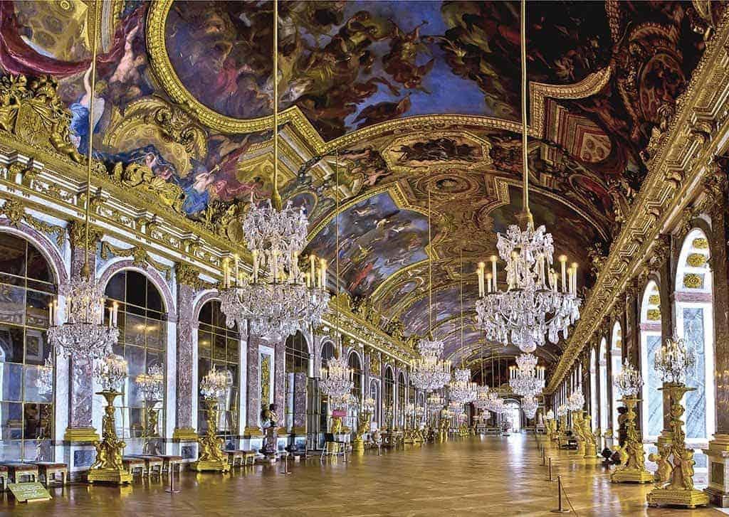 جوله داخل القصر