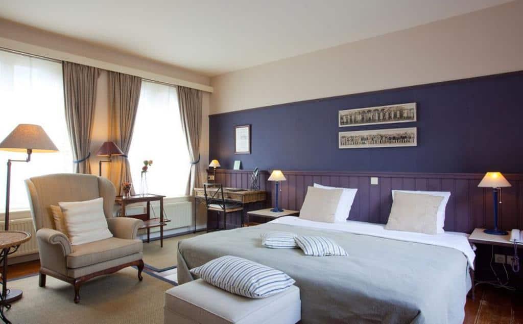 8.Hotel Hat Sand-min