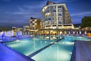 افضل 15 فندق في كوساداسي من المسافرون العرب