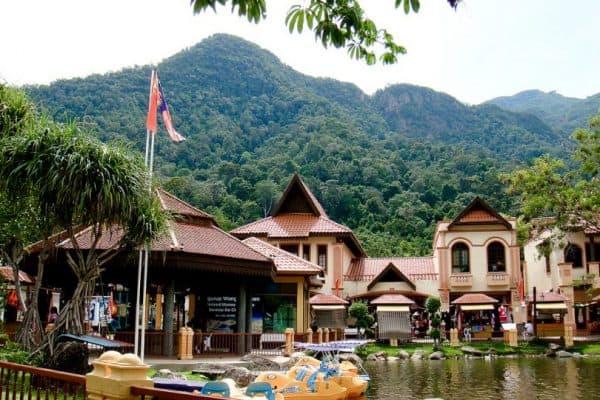 القرية الشرقية