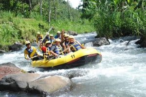 ممارسة الرياضات المائية  - إندونيسيا - جزيرة بالي