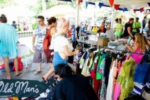 سوق دوس للمُزارعين المحليين