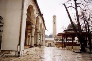 العودة إلى العاصمة سراييفو - البوسنة والهرسك - سراييفو
